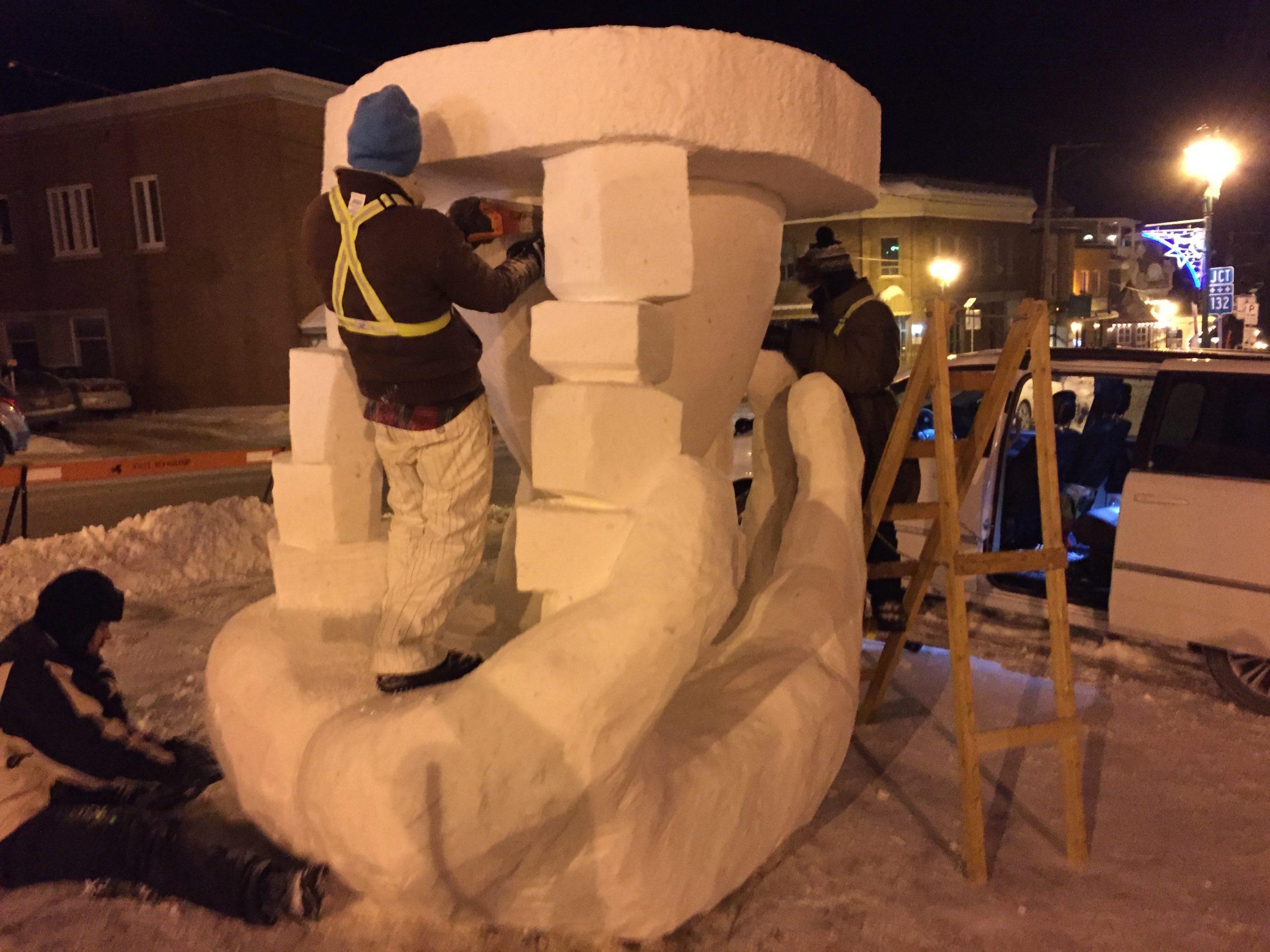 CSTJ-sculpture-sur-neige