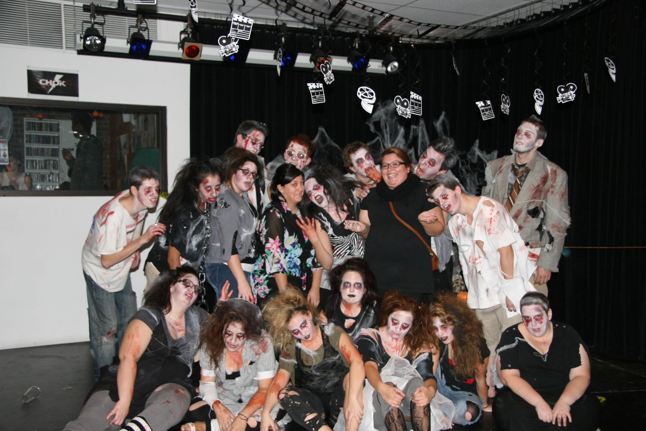 cstj_nouvelle_flash_mob_zombies_2013_halloween