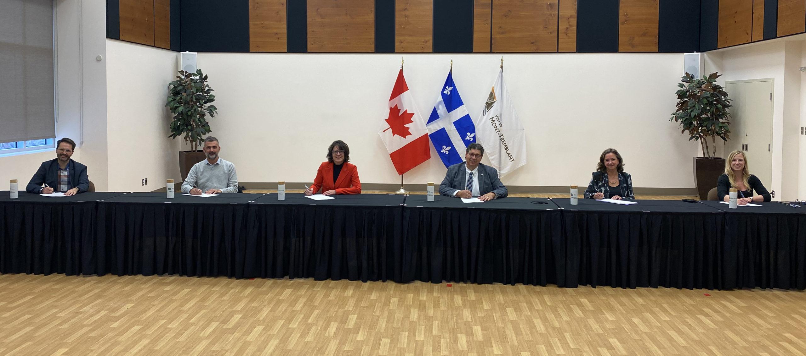 Bâtiment permanent du CCMT : le contrat de vente est signé!