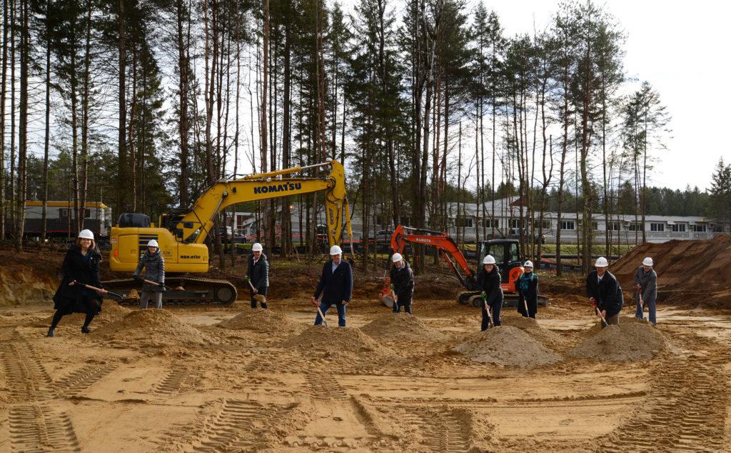 Pelletée de terre du nouveau bâtiment du CCMT